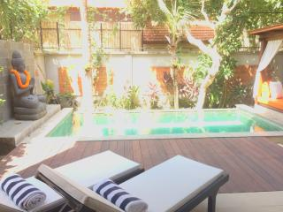 Mahs, modern spacious 2 bed beach villa, Seminyak