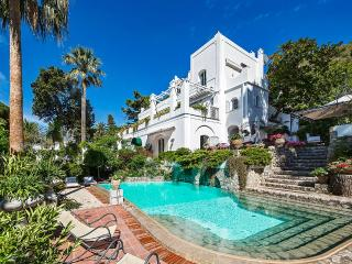 Villa Le Scale, Sleeps 14, Anacapri