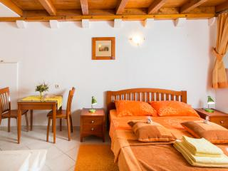 Apartments Ivana Old Town - Studio (2 Adults)