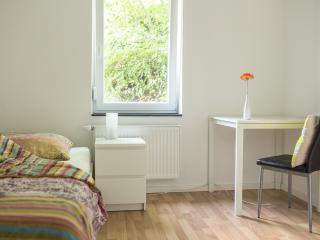 Zimmer 4: 1-Personenzimmer in Degerloch nahe Stadtbahn