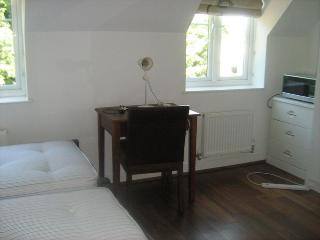 Rooms in Uxbridge, Cowley