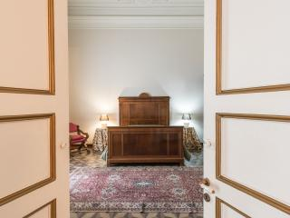 Palazzo Beneventano Centro Storico appartamento 5, Catania