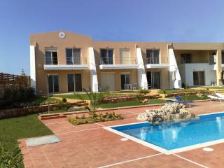 Luxury apartment with pool near to beach,free WiFi, Acrotiri