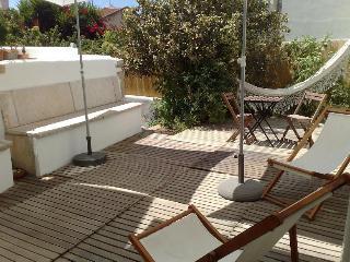 Central - Charm - Garden - Sunny - Quiet, Lisboa