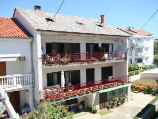 Apartment Ena with 3 bedrooms/2 bathrooms, Malinska