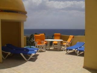 Large 4* Family Penthouse beach views in Hotel !!