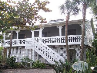 Cute Captiva Island Village Area Cottage, isla de Captiva