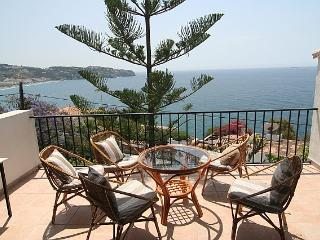 Lucia - Pretty 2 bed villa with outstanding views, La Herradura
