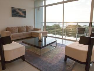 Modern Luxury. Private balcony & panoramic ocean views! - [PP606]