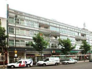 Economical Notting Hill Gate 1Bedroom Apartment, Londen