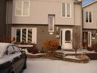 Town house in the heart of Magog, holiday rental in North Hatley