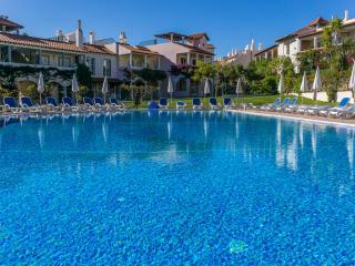 Fuji Lime Villa, Vilamoura, Algarve