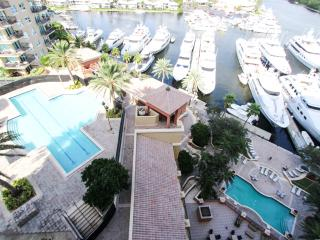 Luxury 2 Bedroom Sunrise Family Apartments, Fort Lauderdale