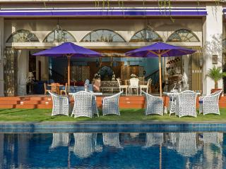Villa Sayang d'Amour - Poolside dining