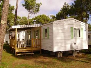 Mobilhome dans camping ****