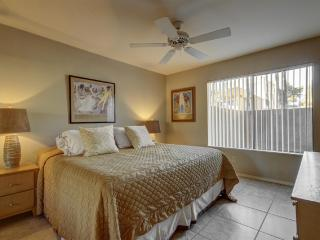 Amazing One Bedroom Scottsdale Condo