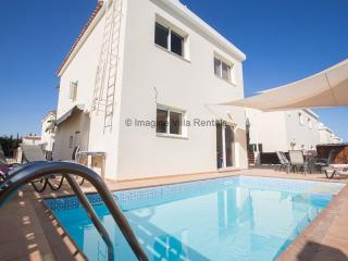 Sunset Villa 16, 3 bed villa, sleeps 8, Protaras
