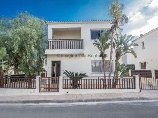 Sunset Villa 16, 3 bed villa, sleeps 8