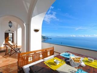 Spectacular views - wonderful villa, Praiano