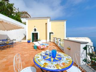 Beautiful Villa. Great terraces  and sea view, Praiano
