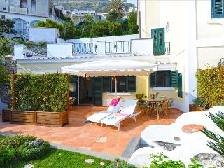 PR110-Beautiful Villa. Great terraces  and sea view, Praiano