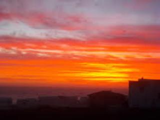 Beautiful Yzerfontein!  Spectacular Sunset views.  A two minute stroll to the beach.