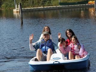 Waterside Family Fun ~ RA5955, Rockaway Beach