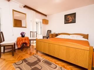 Rooms Ane Old Town - Double Room with Shared Bathroom