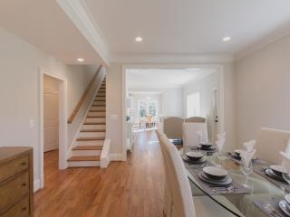4 Bedroom Turnkey Luxury Home in Prime DC Metro MD, Kensington