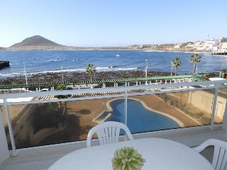 Nice apartment with pool and sea views El Medano