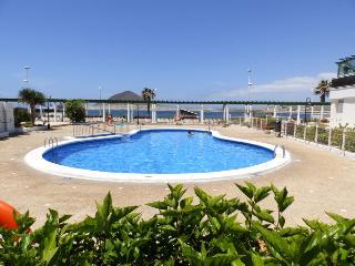 Nice apartment with pool and sea views El Medano