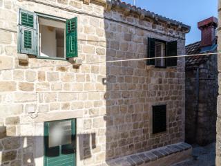 Lavender Garden Apartments - Double Room (Ground Floor) - ROOM 6, Dubrovnik