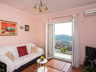 Apartment Piano - Two Bedroom Apartment with Balcony, Terrace and Sea View, Dubrovnik