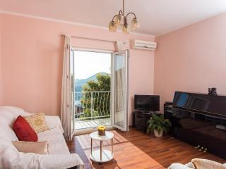 Apartment Piano - Two Bedroom Apartment with Balcony, Terrace and Sea View