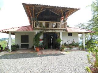 Casa Campestre, se alquila para parejas o grupos, Filandia