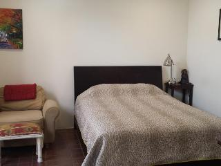 Cozy, small studio in ideal LA location, Santa Monica