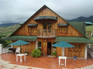 CHALET VIA AL MAR, Cali