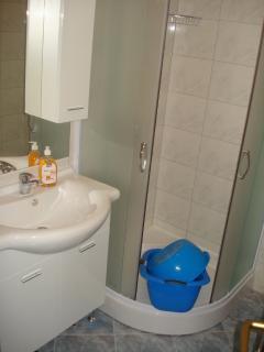A Veliki (4+1): bathroom with toilet