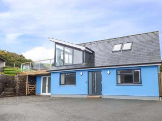 TY HENRI, pet-friendly cottage with sea views, WiFi, en-suites, luxury, Tresaith Ref 912886, Cardigan