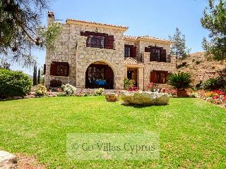 Beautiful 4BR stonebuilt luxury villa,private pool