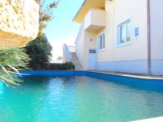 FAMILY APARTMENTS WITH SWIMMING POOL, Medulin
