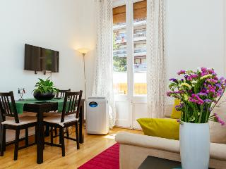 Rent Apartment In  San Antoni Center Of Barcelona