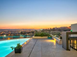 Lavish villa with WOW Views - Malta 180 Views