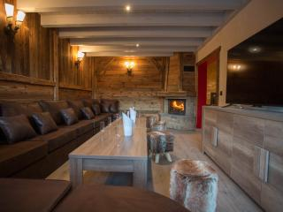 Luxury Chalet Les Alpes with hot tub, Châtel