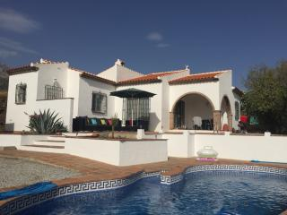 Casa Soleada, incredible views & private pool, Canillas de Aceituno