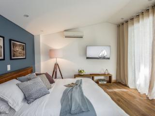 Exclusive VIP 5-Star Jacuzzi Suite, Medellin