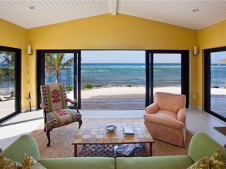 5BR-Amoraflora, Grand Cayman