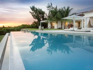 Agora - Ideal for Couples and Families, Beautiful Pool and Beach