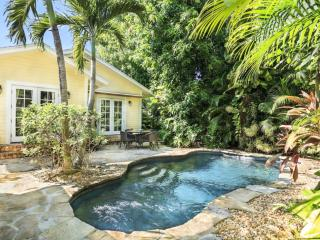 Mango Haus | 2bd/2ba | Private Pool & Parking
