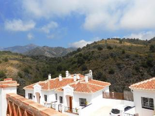 Immaculate modern house with outstanding views, Frigiliana